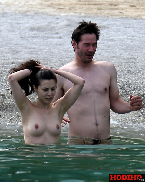 china-chow-topless-keanu-reeves-17.jpg