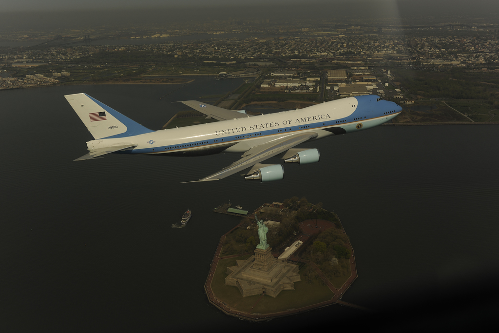Air Force One fait le con au dessus de New-York