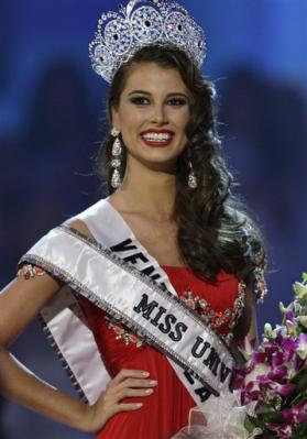 3061442005-miss-venezuela-stefania-fernandez-poses-after-being-crowned-miss-universe